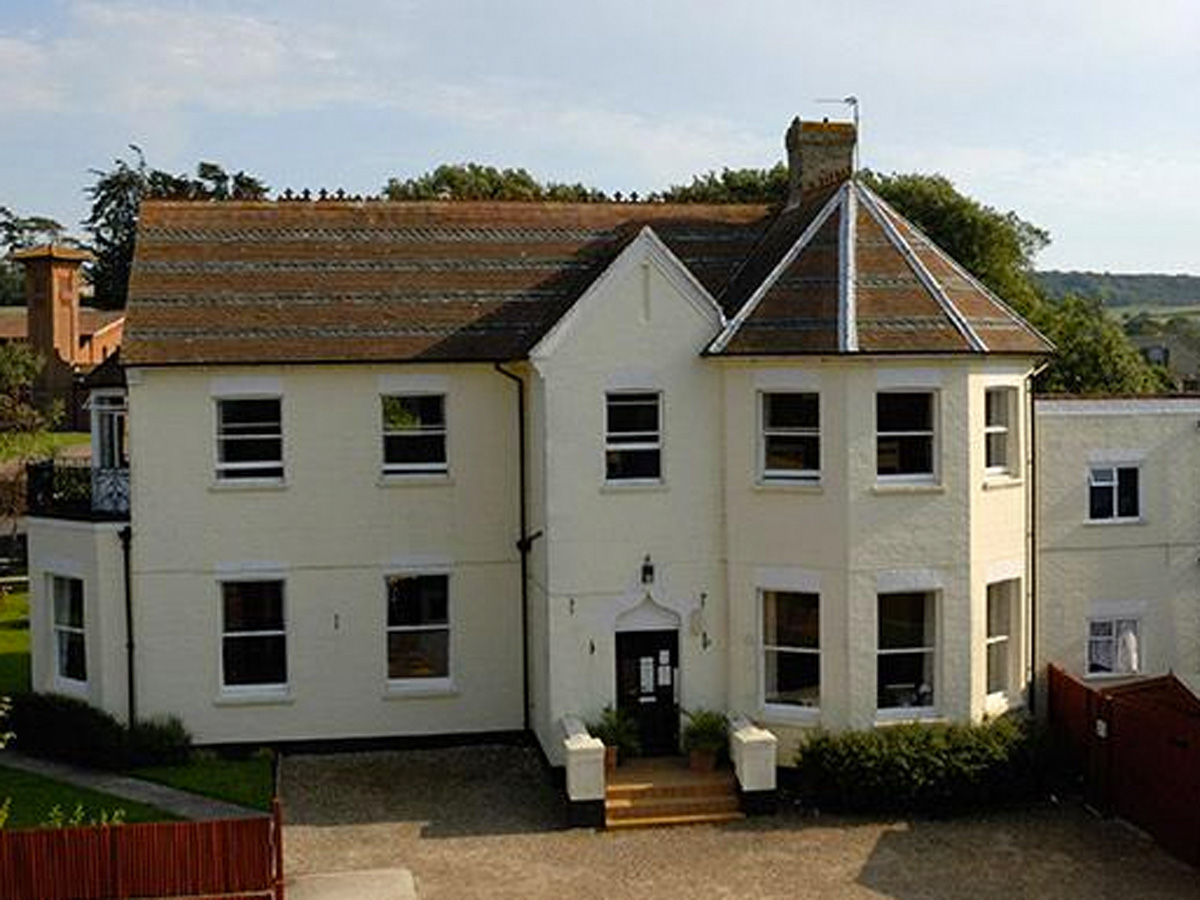 Picture of YHA Totland